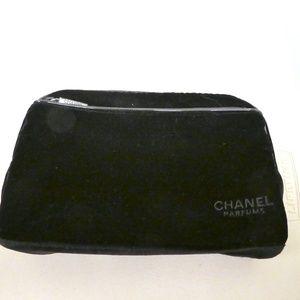 NEW CHANEL BLACK VELVET ZIP MAKEUP BAG LOGO LINED